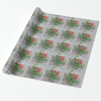 Rote Paprikaschoten, die an der Pflanze hängen Geschenkpapier