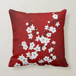 Rote Schwarzweiss-Kirschblüten Kissen