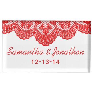 Rote Spitze und weiße kundenspezifische Hochzeit