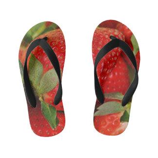 Rote süße Erdbeeren Kinderbadesandalen