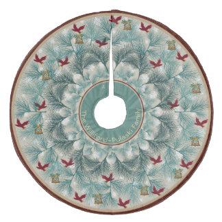 Rote Vögel und Wispy Kiefer personalisiert Fleece Weihnachtsbaumdecke