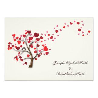 Roter Herz-Baum auf Elfenbein-Hochzeit Karte