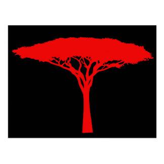 Roter Regenschirm-Baum Postkarte