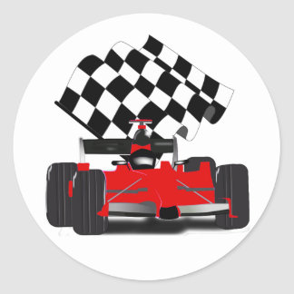 Roter Rennwagen mit Zielflagge Runder Aufkleber