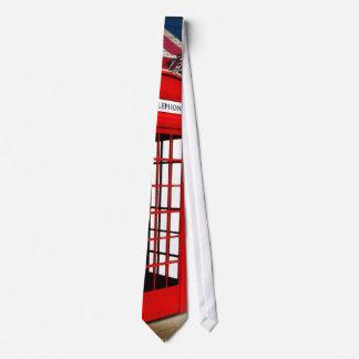 roter Telefonstand der Krawatte