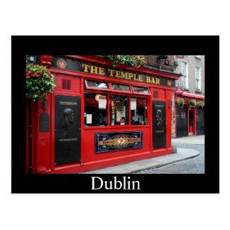 Roter Tempel-Bar Pub in Dublin-Karte mit Text Postkarte