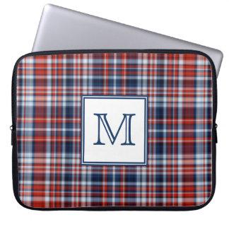 Roter weißer und blauer Tartan mit Monogramm Laptop Sleeve