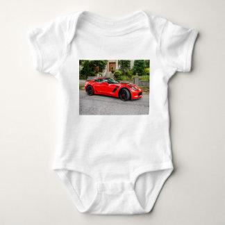Rotes C7 Chevrolet Corvette Baby Strampler