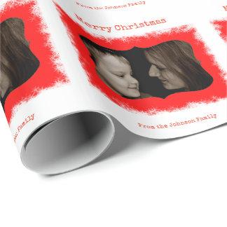 Rotes Schneeflocke-Familien-Foto-personalisierte Geschenkpapier