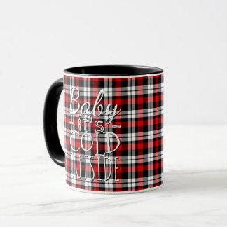 Rotes schwarzes Baby sein kalte Tasse