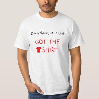 Rotes Skript erhielt das T-Shirt lustig