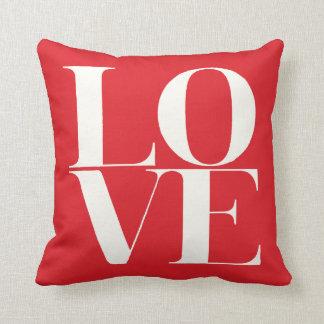 Rotes und weißes Kissen LIEBE Valentines Tages