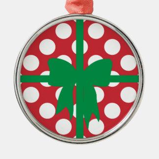 Rotes und weißes Tupfen Weihnachten Rundes Silberfarbenes Ornament