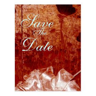 Rustikale gebrannte hölzerne Hochzeitsmitteilung Postkarte