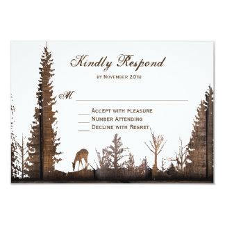 Rustikale hölzerne Rotwild-Kiefern-Baum-Hochzeit 8,9 X 12,7 Cm Einladungskarte