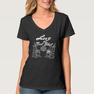 Rustikale Land-Scheunen-Hochzeits-Party-Jagd-Paare T-Shirt