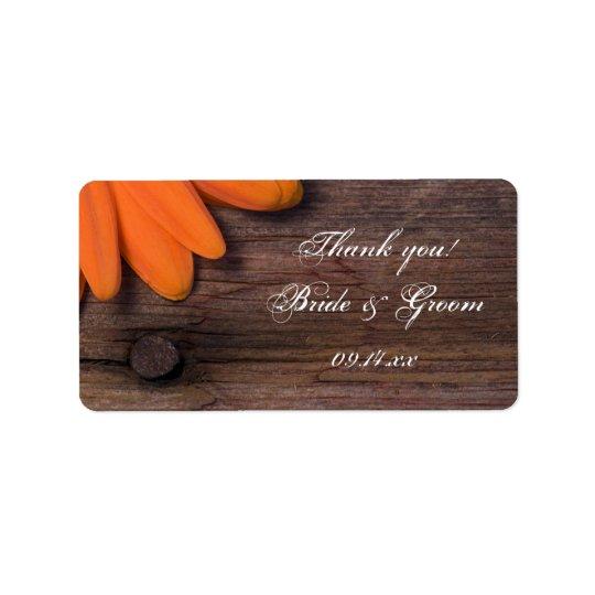 Rustikale orange Gänseblümchen-Hochzeit danken Adressetikett