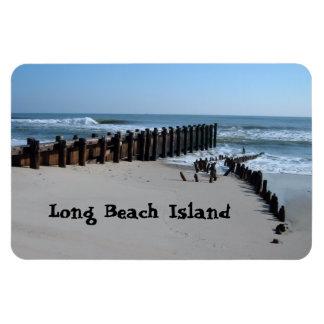 Rustikale Schutzwand auf Strand Magnet