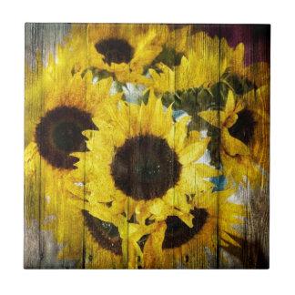 Rustikale Sonnenblumen auf Barnwood Kleine Quadratische Fliese