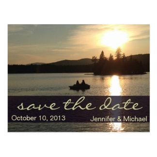 Rustikaler Adirondack Mountainsee Save the Date Postkarte