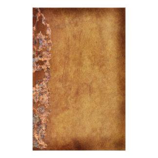 Rustikaler Schmutz korrodiertes Pergament-Geschenk Briefpapier
