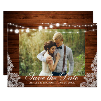 Rustikales Hochzeits-Holz beleuchtet Spitze Save Karte