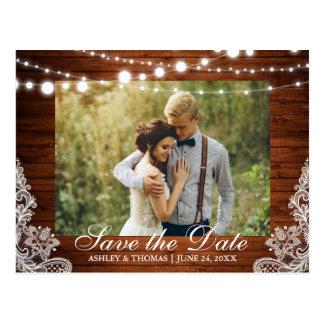 Rustikales Hochzeits-Holz beleuchtet Spitze Save Postkarte