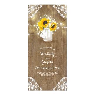 Rustikales Weckglas und Sonnenblumen, die Werbekarte