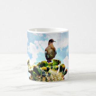 Saguaro tauchte in der Wolken-Kaffeetasse/Tasse Kaffeetasse