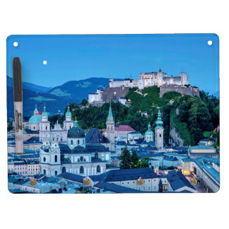 Salzburg-Stadt, Österreich Trockenlöschtafel Mit Schlüsselanhängern