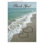 Sand-Herzen auf Strand, danke Karten