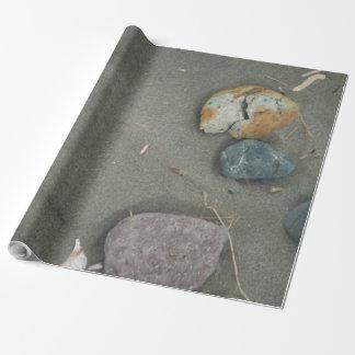 Sand und Steine des Strandes Geschenkpapier
