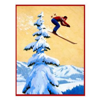Sauter de ski dans les montagnes cartes postales