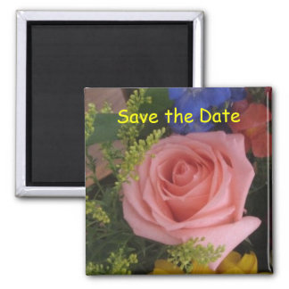 Sauvez l'aimant rose de date magnet carré