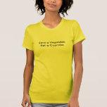 Sauvez un légume mangent un T-shirt de petit