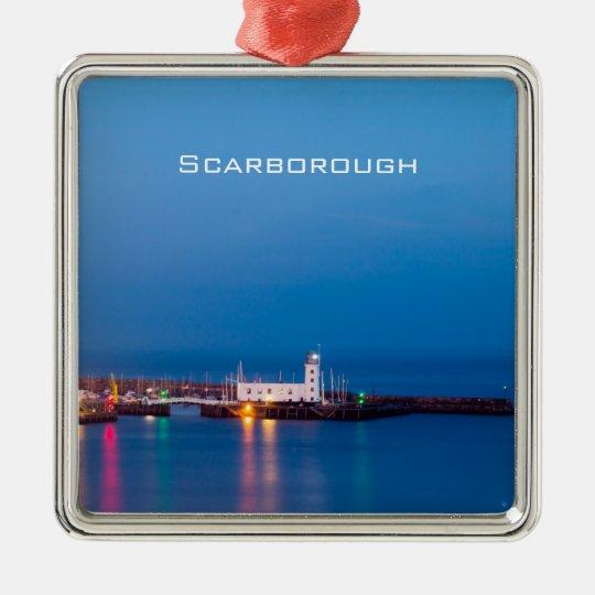 Scarborough-Leuchtturm Quadratisches Silberfarbenes Ornament