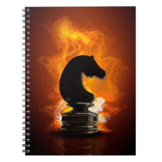 Schach-Ritter in den Flammen Notizblock
