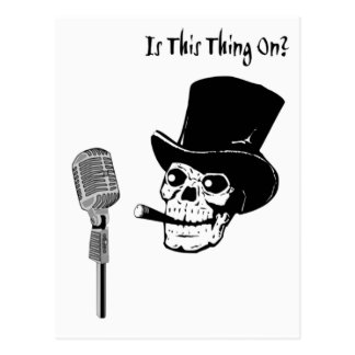 Schädel im Zylinder mit Mikrofon Postkarte