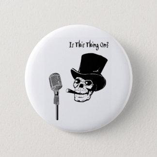 Schädel im Zylinder mit Mikrofon Runder Button 5,1 Cm
