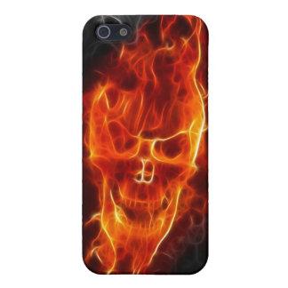 Schädel in den Flammen iPhone 5 Schutzhülle