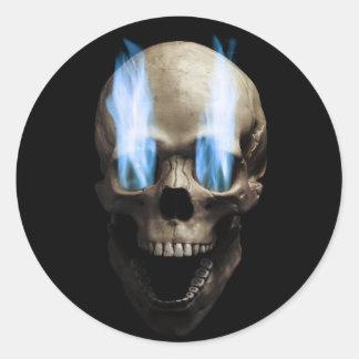 Schädel mit blauen Flammen Runder Aufkleber