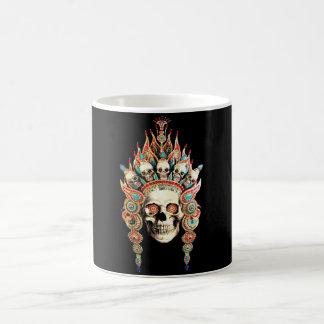 Schädel mit tibetanischem Kopfschmuck Kaffeetasse