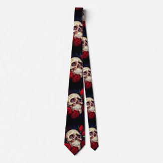 Schädel und die Krawatte der Rosenmänner