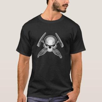 Schädel und gekreuzte Schweißer-Hämmer T-Shirt