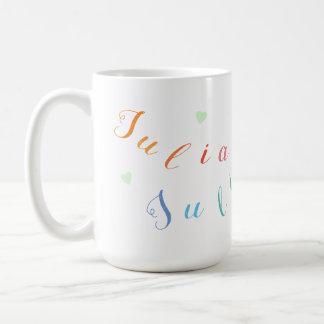schaffen Sie bunte Namensbuchstaben mit Herzen Kaffeetasse