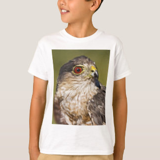 Scharf-shinned Falke T-Shirt