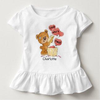 Schauen Sie, wer Bär zwei ist Kleinkind T-shirt