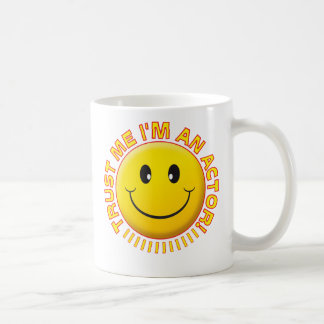 Schauspieler vertrauen mir smiley kaffeetasse