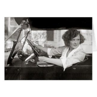 Schauspielerin hinter dem Rad, 1921 Karte