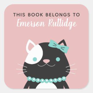 Schickes Rosa Damen-Cat | dieses Buch gehört Quadratischer Aufkleber